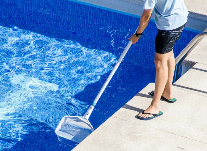 weekly pool cleaning service